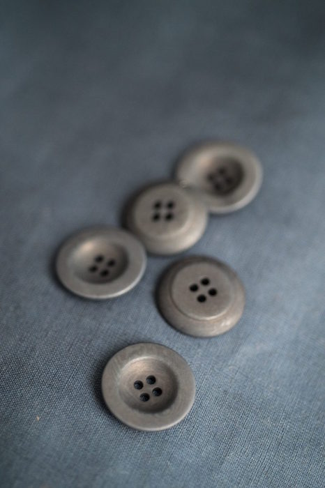 Merchant & Mills Buttons Corozo Grey