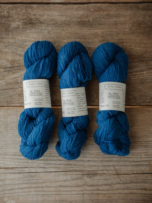 Biches & Bûches le petit lambswool electric blue