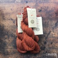 Urth yarns Worsted cinnamon