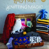 front cover of harry potter knitting magic