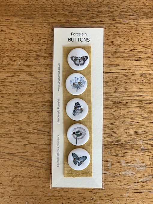 Carol Barnes Ceramic Buttons butterflies 28mm yellow